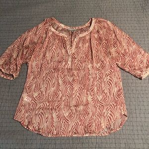 Daniel Rainn beautiful sheer blouse
